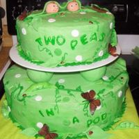 "Two Peas In A Pod Made for a coworker's baby shower. She's expecting twin girls and the shower theme was ""Two Peas in a Pod."" The top..."