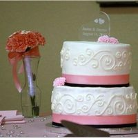 L_F4D3Ed30D3D799A17015679D50F3.jpg My first wedding cake. I didn't want to do it but my niece wouldn't take no for answer. I wasn't happy with it but my niece...