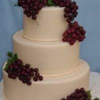 Vineyard Wedding Cake I did this one very plan so that the focus would be on the grapes.