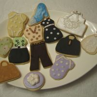Fashion_Cookies.jpg  Working on my fashion clothing line with cookies. Some I did in a class and the rest I pratice at home. I used fondant. I like using this...