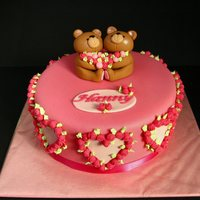 Forever Friends A combination of one of my favourite cakes of Peggy Porschen (UK) and the Forever Friends bears for a birthday. Everything is made of...