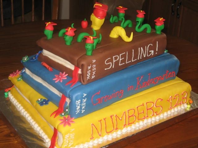 Book Worm Graduation Cake I made thi scake for my daughter's Kindergarten graduation cake.First try at book cakes.I learned a lot making this cake,so if I ever...
