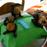 Monkeys Jumping On The Bed 1St Bday I made this cake for my son's 1st birthday party that was a Monkey theme. The headboard and quilt, pillows, monkeys all made out of...