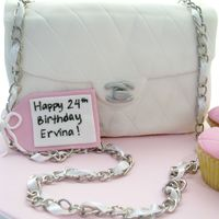 Chanel Bag Cake   A guy ordered this for his girlfriend