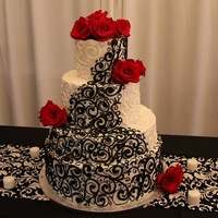 Black And White Black and White wedding with Buttercream scroll work