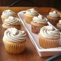 Espresso Mocha Cream Cupcakes Definitely grown-up cupcakes. Frosting is a mocha cream with flecks of espresso and a splash of brandy. YUM. Cupcakes are Gingerbread Spice...