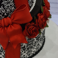 Damask Hat Boxes Red Roses