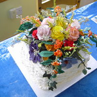 Mums 60Th Flower Basket 1st time for many things on this cake, flowers 1st time made, basket weave never done before and never made so many flowers and pulled...
