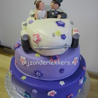 Puple Wedding Cake With Vw Bug