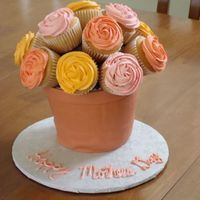 Mothers Day Cupcake Bouquet With Cake Flower Pot I tried cambo's cupcake bouquet and the flower pot tutorial for the first time together. I was ok with the way it turned out overall,...