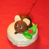 Christmas Mouse I found this idea on CC and I just loved it. I made a whole plate of these for my Christmas party at work. They were a huge hit. The base...