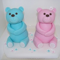 Teddy Bears Made from fondant. A lady asked for these particular bears, original design from The London Cake Company.