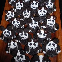 Panda Cupcakes I made these for my son's 7th Birthday since he was having a Kung Fu Panda party. I got the idea from a Ladies Home Journal article...