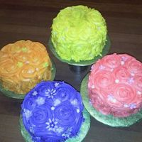 Rose Cakes My first attempt at the rose cake. Made for a church function. These were really fast and fun to make!