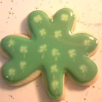 Clover St. Patrick's Day butter cookie with Toba's glace.
