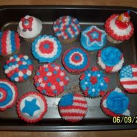 Americana Cupcakes   I did these for a demo at work as well as the Bunker Hill Day parade celebration at my parent's house.