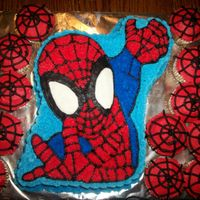 Spiderman spiderman cake with cupcakes