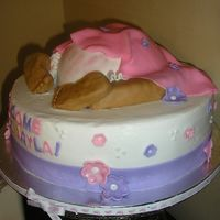 Baby Rump!   Cake is in BC with Fondant accents. Got the idea from here on CC. TFL!!