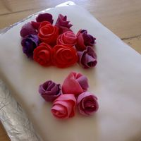Rosecake Cake with lots of roses