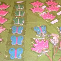 Crowns And Butterflies Crown and Butterfly cookies for a 3rd birthday party. These were a lot of fun!NFSC with my variation of Alice's icing.
