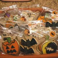Halloween Cookies NFSC with Alice's icing.