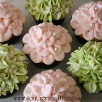 Hydrangea And Rose Cupcakes I have been playing around with recipes lately so I thought since I had all these cupcakes they needed to be decorated. I added a tutorial...