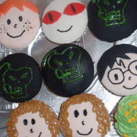 Harry Potter Cupcakes For the premier of Half-Blood Prince