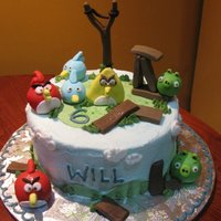 Angry Birds Buttercream icing with fondant decorations
