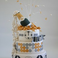 Happy New Year ! We made this cake for the dutch cake magazine Mjamtaart !
