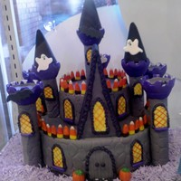 Haunted Halloween Cake   This is a picture of the Haunted Halloween Cake I made with the Castle kitfrom Wilton