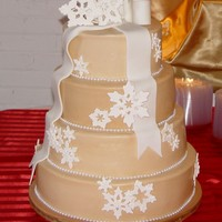 Snowflake Wedding Cake Buttercream with snowflakes