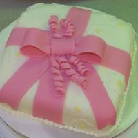 Cake-304.jpg My first fondant cake - WASC cake with fondant icing/decorations