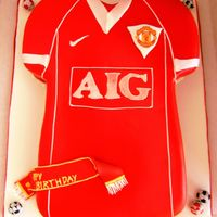 Manchester United T Shirt choc madeira covered in fondant
