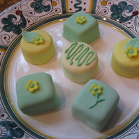 Rolled Fondant-Covered Petit Fours