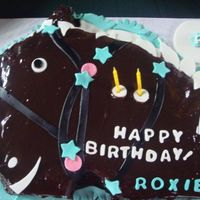 Roxie's Horse Cake My friend Marga asked me to jazz up a chocolate cake for her daughter's 2nd birthday. It was a little difficult to sculpt the cake and...