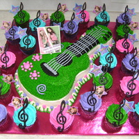 Hannah Montana I made this cake for my niece's 8th birthday. All BC chocolate treble clefs. TFL :)