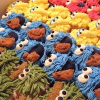 Sesame Cupcakes Oscar, Cookie Monster, Big Bird, & Elmo. All BC. These were fun!