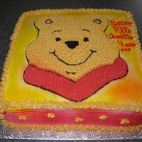 Winnie The Bear   with buttercream icing, airbrush , image transfert