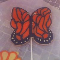 Monarch Butterfly I love BIG cookies! So much fun but painstaking getting glaze into all the little spaces with a toothpick