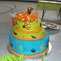 "Scooby Doo Double layer 10"" round, single layer 8"", double layer 6"". BC icing and deco."