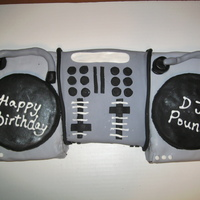 Dj Turn Table   Rolled fondant. Birthday cake for a DJ