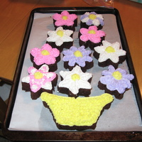 Flower Birthday Cupcakes Chocolate cake with homemade marshmallow creme