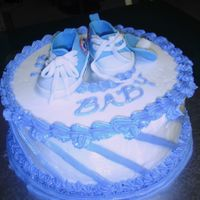 Blue Converse White cake with buttercream icing, converse sneakers out of gumpaste. Thanks fo rthe tutorials!