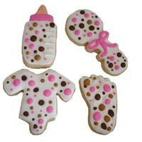 Pink And Poka Dots sugar cookie with ri