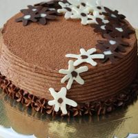 Chocolate Flowers Cake -