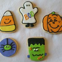 Halloween Cookies  ...yes, more Halloween cookies. I know there have been a ton posted already, but these are the first sugar cookies I have ever done. So, I...