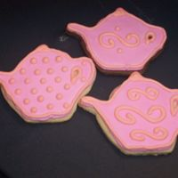 Teapot Cookies NFSC and NFSC with 3 tbsp dark cocoa powdered added to make them chocolate. I used Antonia74 tutorial and RI recipe. I like the way they...