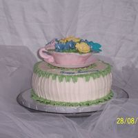 Hummingbird Teacup pound cake with vanilla buttercream