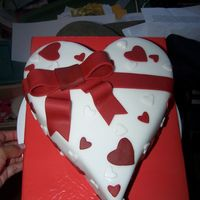 Heart With Bow Yellow cake with chocolate filling-