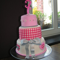Sweet Cake Voor A Sweet Girl Pink, silver and hearts! Used a print for this one!